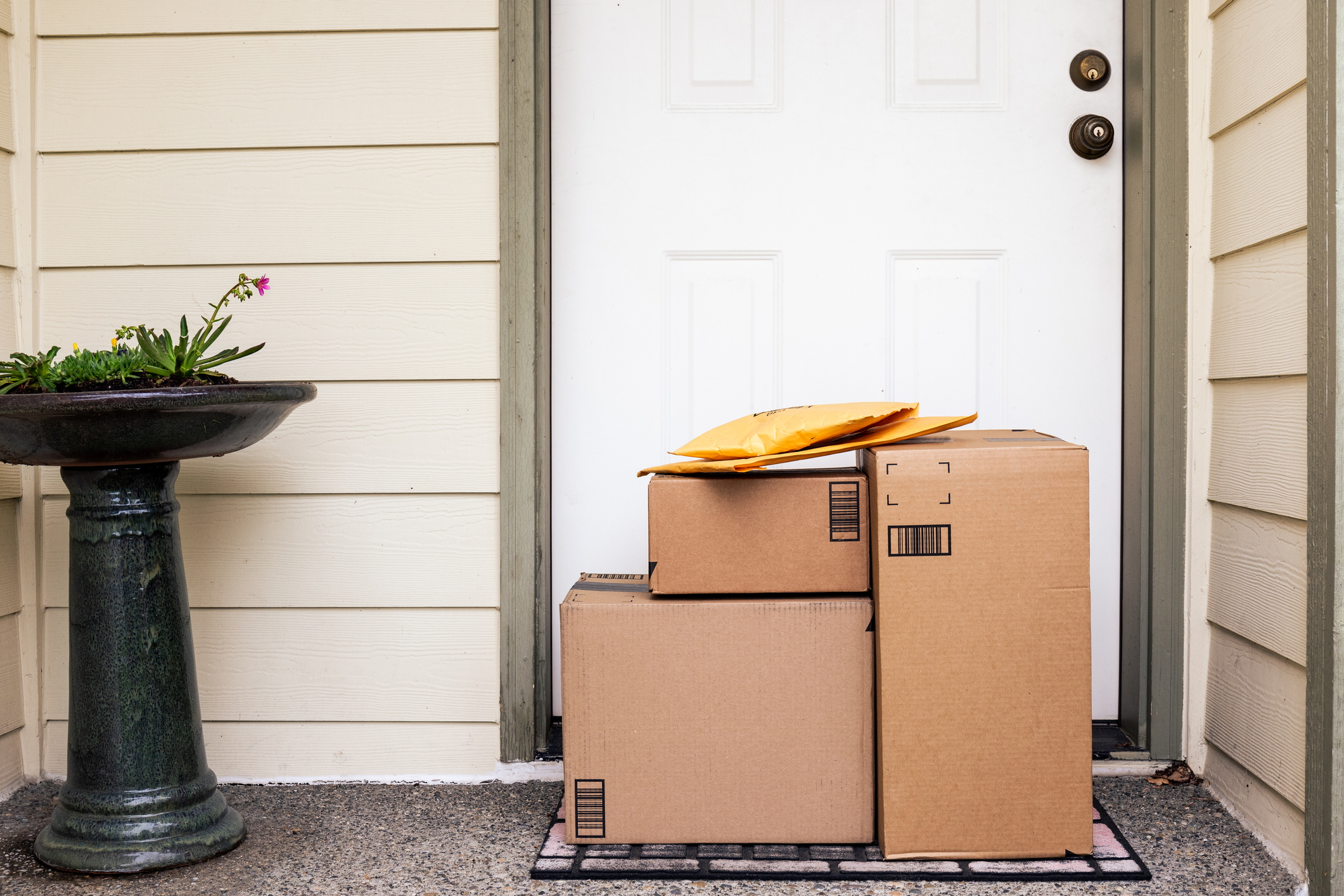 (Q&A) DynoSafe: Open Architecture Platform for Unattended Home Delivery